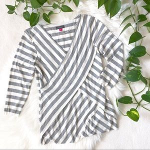 New! Vince Camuto V-Neck Striped 3/4 Sleeve Top